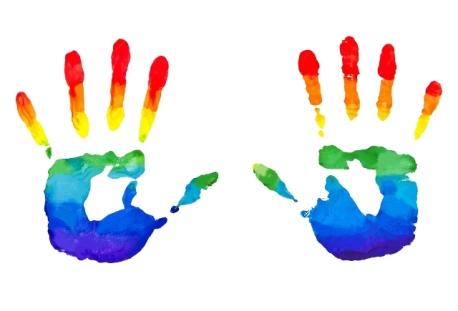 Manos arco iris